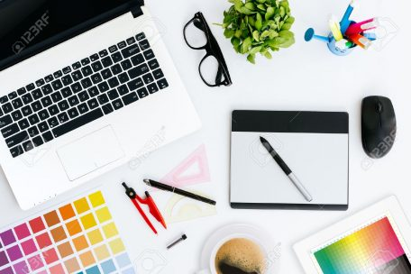 43675002-professional-creative-graphic-designer-desk[1]